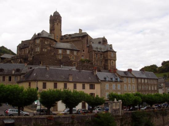 Aveyron  Estaing le château