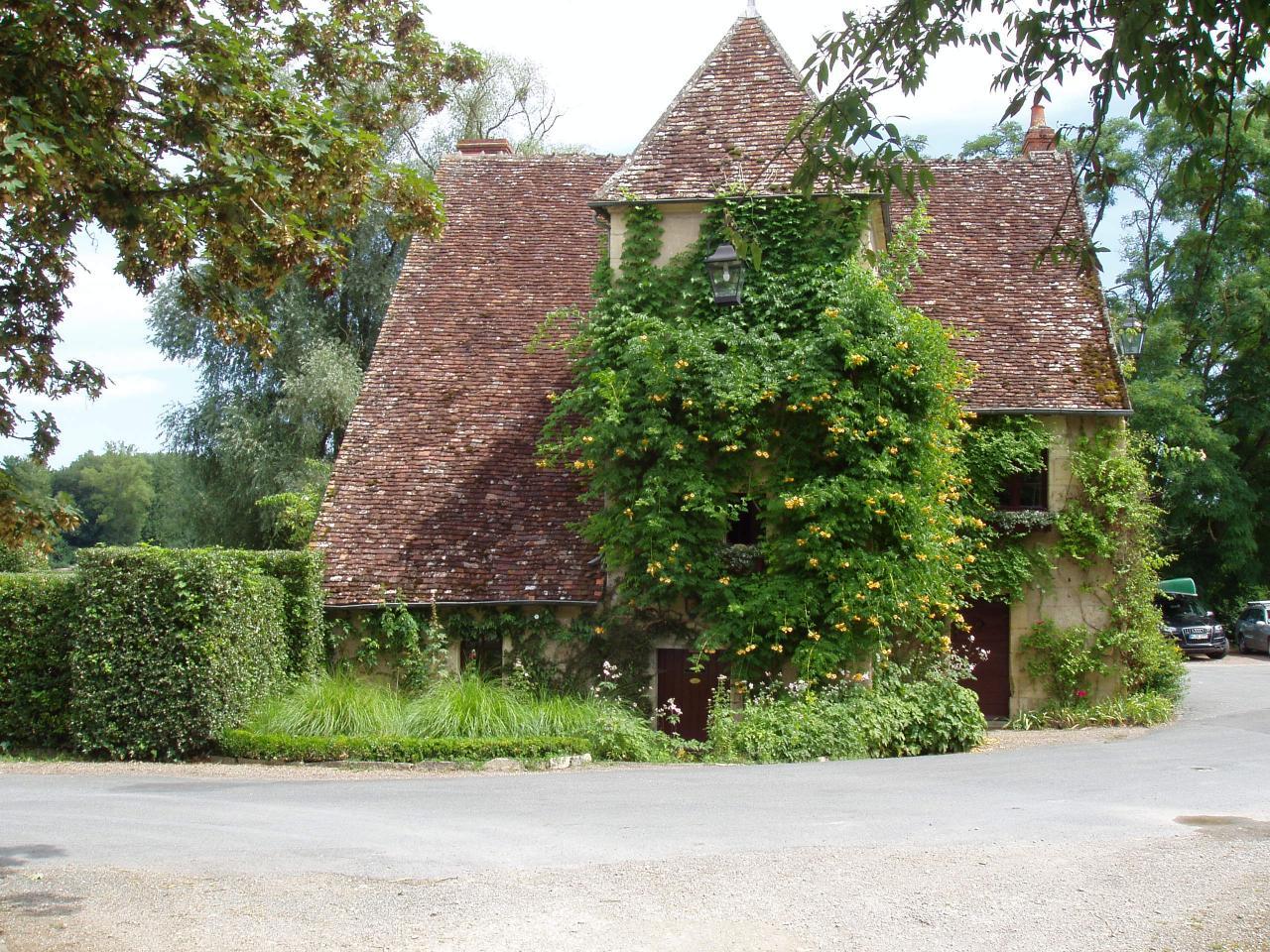 Apremont sur Allier  plus beau village de France