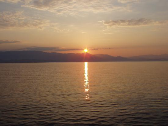 lever de soleil sur l'Albanie