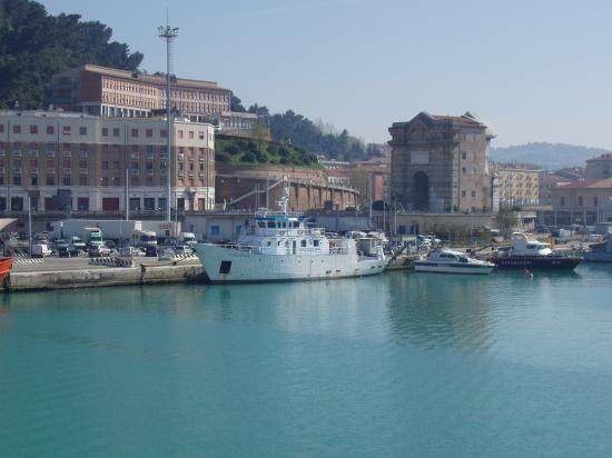 Ancône le port