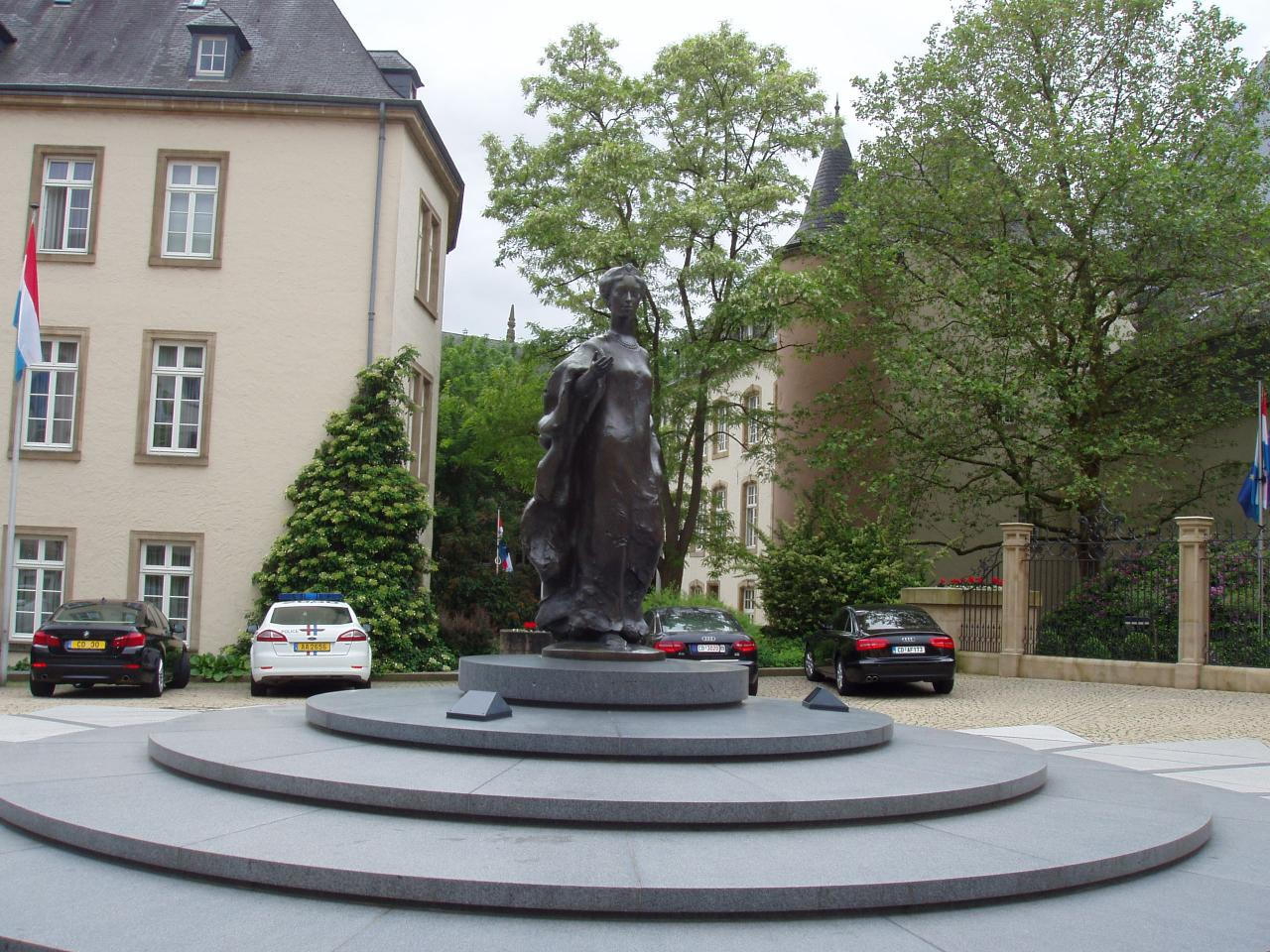 Luxembourg place clairefontaine