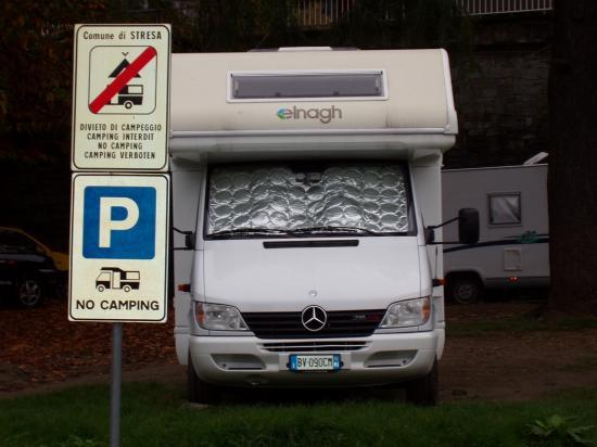 Strésa interdit aux camping cars