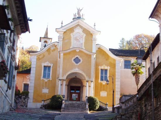 Orta   l'église