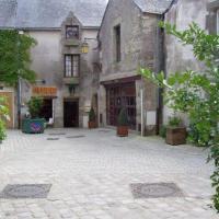 Guérande rue du village