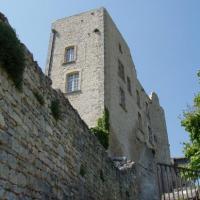 Lacoste le château