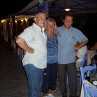 Santorin  les serveurs Grecs