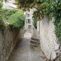 Vaison-la-romaine ville haute