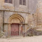 Abbaye de fontfroide la porte romane