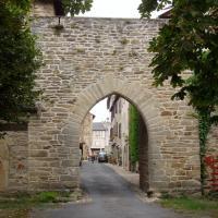 Sauveterre de Rouergue porte d'entrée