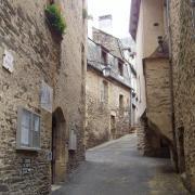Estaing rue du village