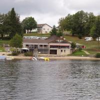 plage au bord du lac