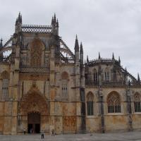Batalha- entrée de l'église santa Maria da Vitoria
