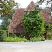 Apremont sur Allier maison de village