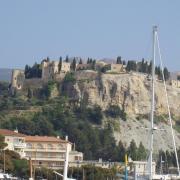 Cassis   sur les hauteurs le chateau