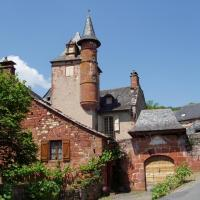 Collonges-la-rouge- tourelle