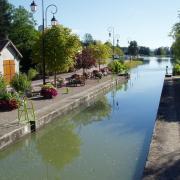 Decize écluse sur le canal du Nivernais
