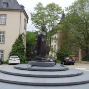Luxembourg-place-clairefontaine