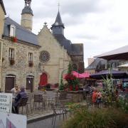 Malestroit église saint Gilles et la place