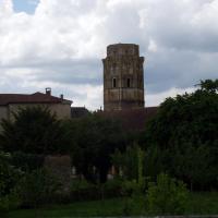Charraux la tour Charlemagne