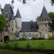 Chef Boutonne  le château de Javarzay