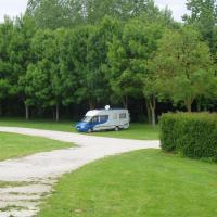 chef Boutonne le parking camping car