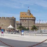 St Malo  le vaisseau de pierre